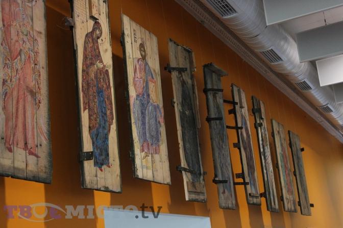 У Львові відкрилась виставка ікон на ящиках від набоїв. Фоторепортаж